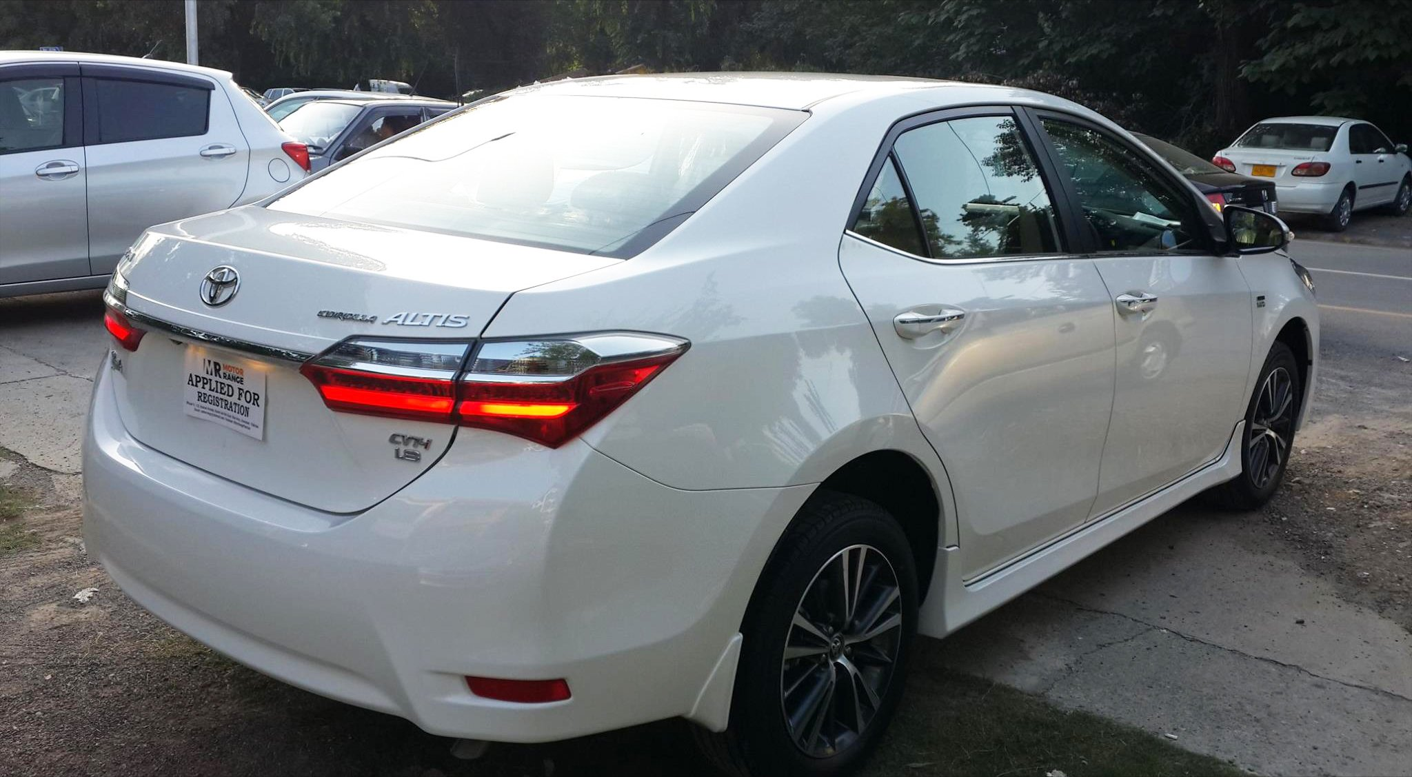 Gli Toyota 2018 >> Toyota Launches its Facelifted Altis Grande Car in Pakistan - Automark
